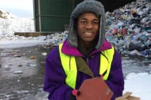 Tanzanian schoolboy Edgar Tarimo has won a global environmental award for building bricks from plastic waste.